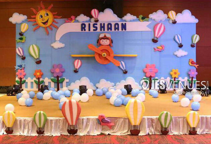 Simple Hot Air Balloon Theme Decoration For Birthday Party Or Kids Party