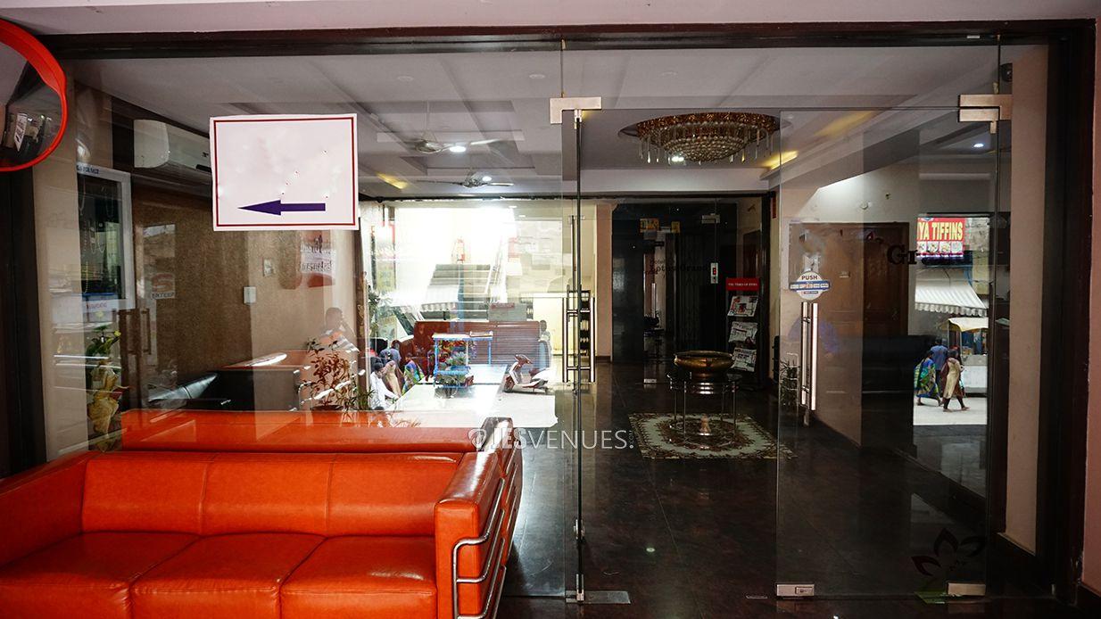 lobby/Lobbyviw-2.jpg