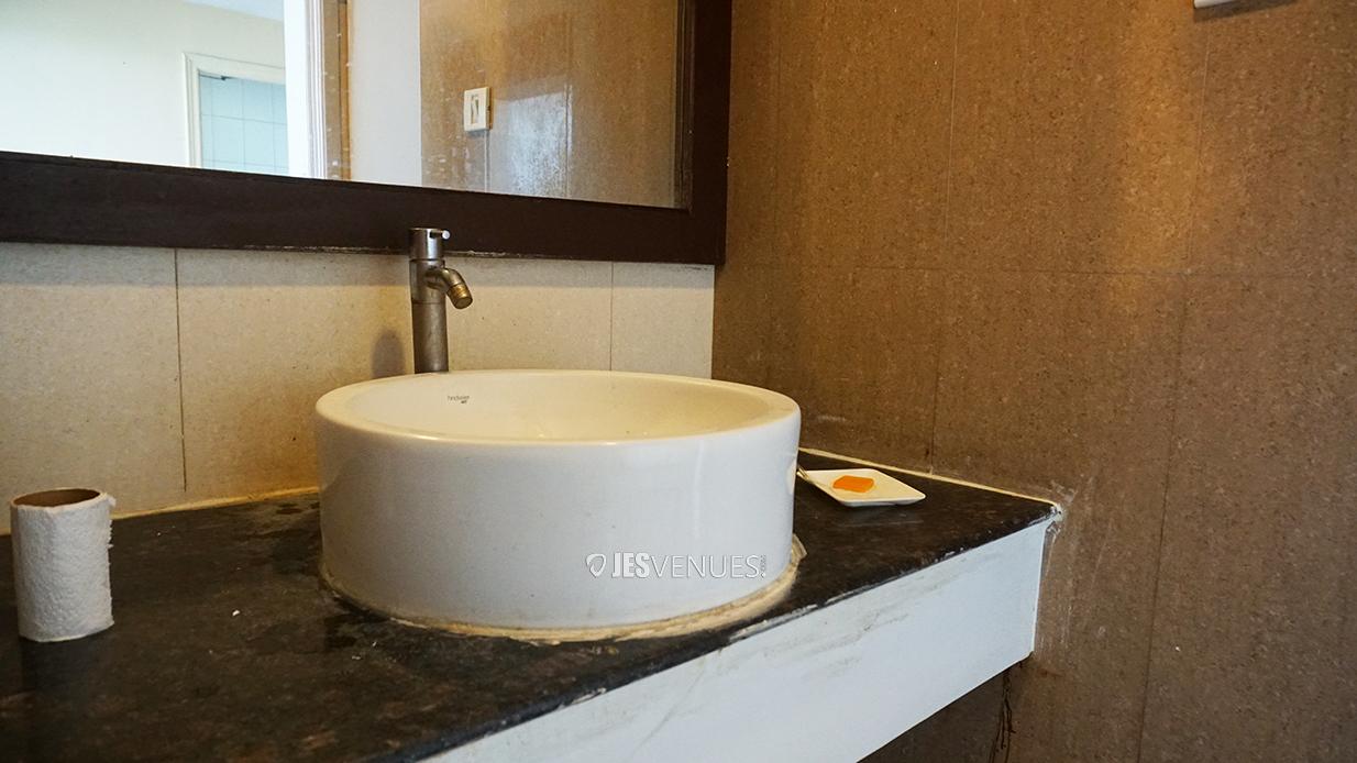 washroom/Washrooms-1.jpg