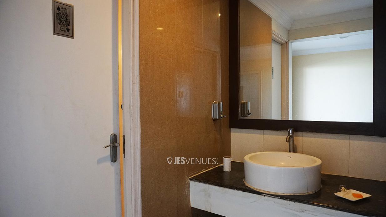 washroom/Washrooms-4.jpg