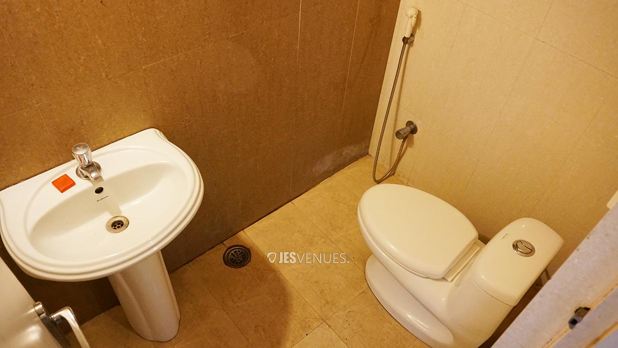 washroom/Washrooms-5.jpg