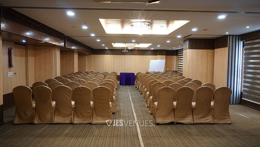 Decent Banquet Hall At Somajiguda, Hyderabad