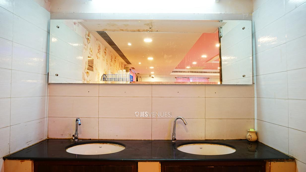washroom/Washroom-1.jpg
