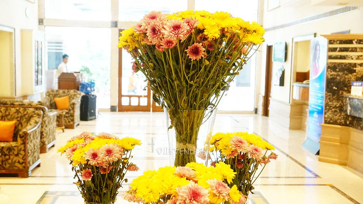 lobby/Lobbyview-4.jpg