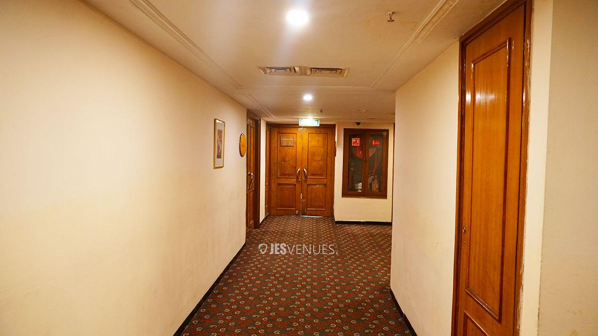 lobby/Pathway-1.jpg