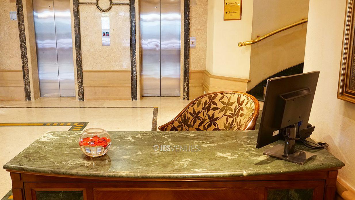 lobby/Lobbyview-5.jpg