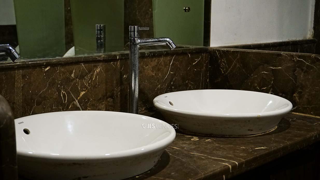 washroom/Washroom-4.jpg